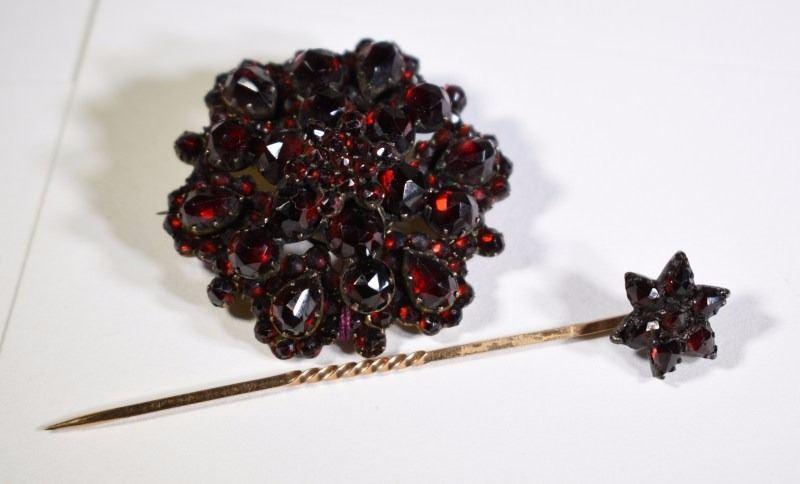 066754b44 Image 1 : ANTIQUE/VINTAGE BOHEMIAN GARNET PIN/PENDANT & GARNET STICK PIN,  ...