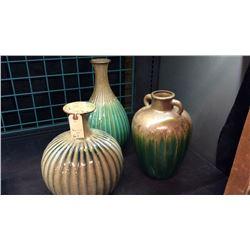 3 Glazed Vases