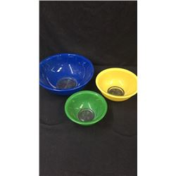 3 Colored Pyre Mixing Bowls