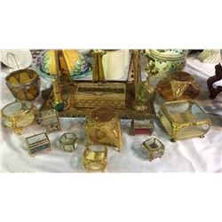 Large Collection of Vanity Sets & Pieces 18pcs