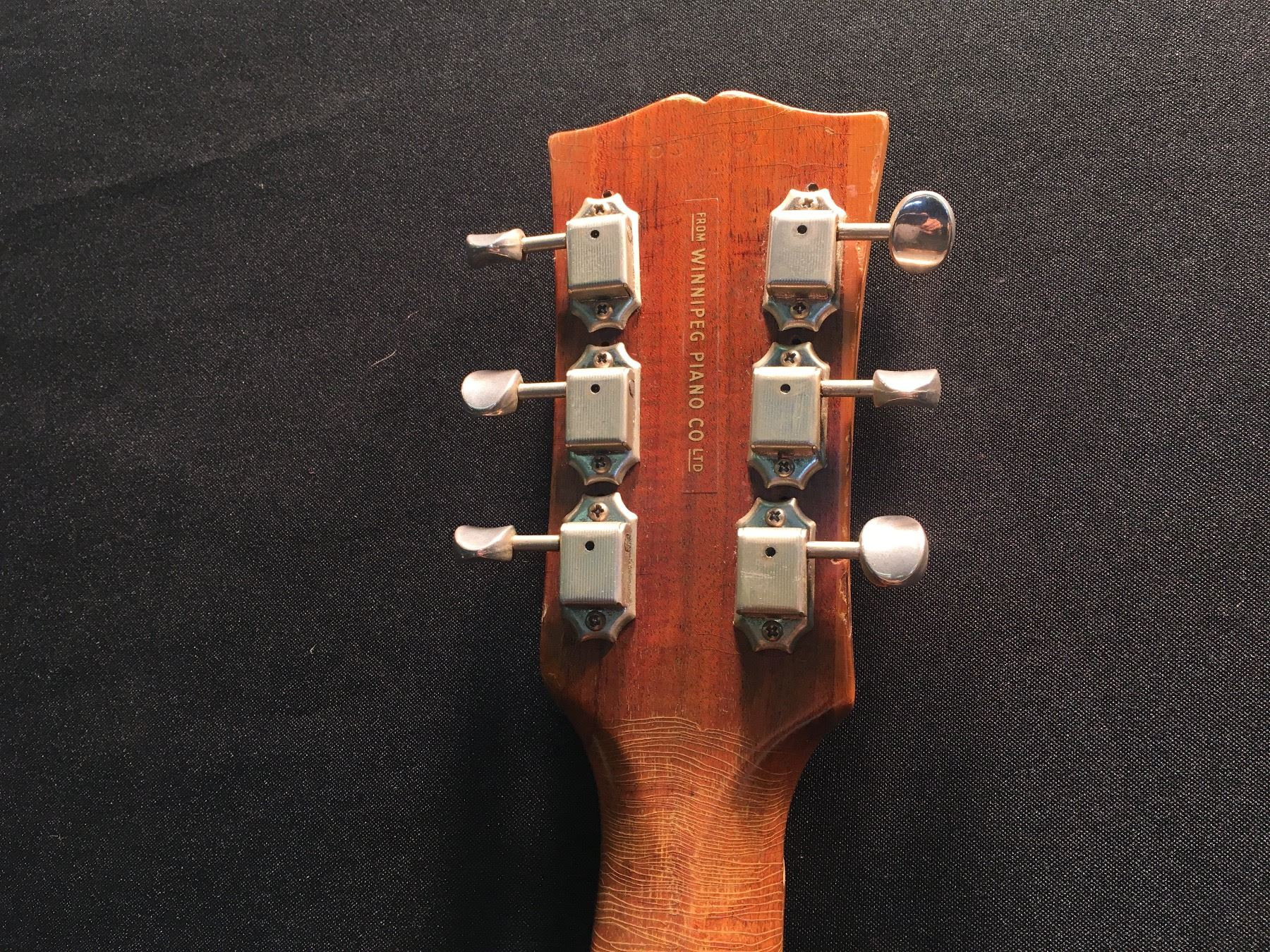 Gibson guitar serial numbers and value