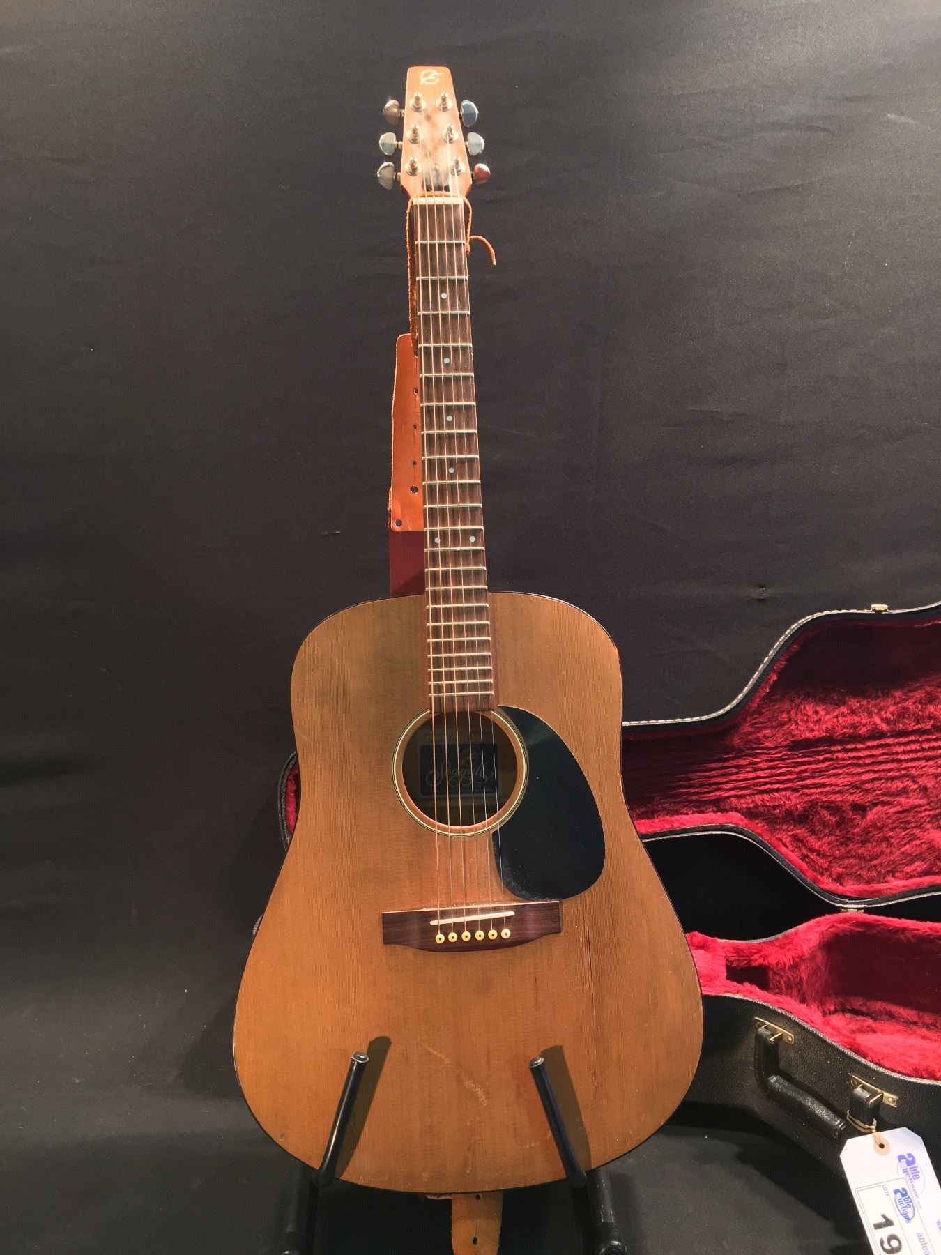 dd63a368ca Image 1 : SEAGULL MODEL 6 ACOUSTIC GUITAR, SERIAL NUMBER 15401, HANDMADE IN  CANADA ...