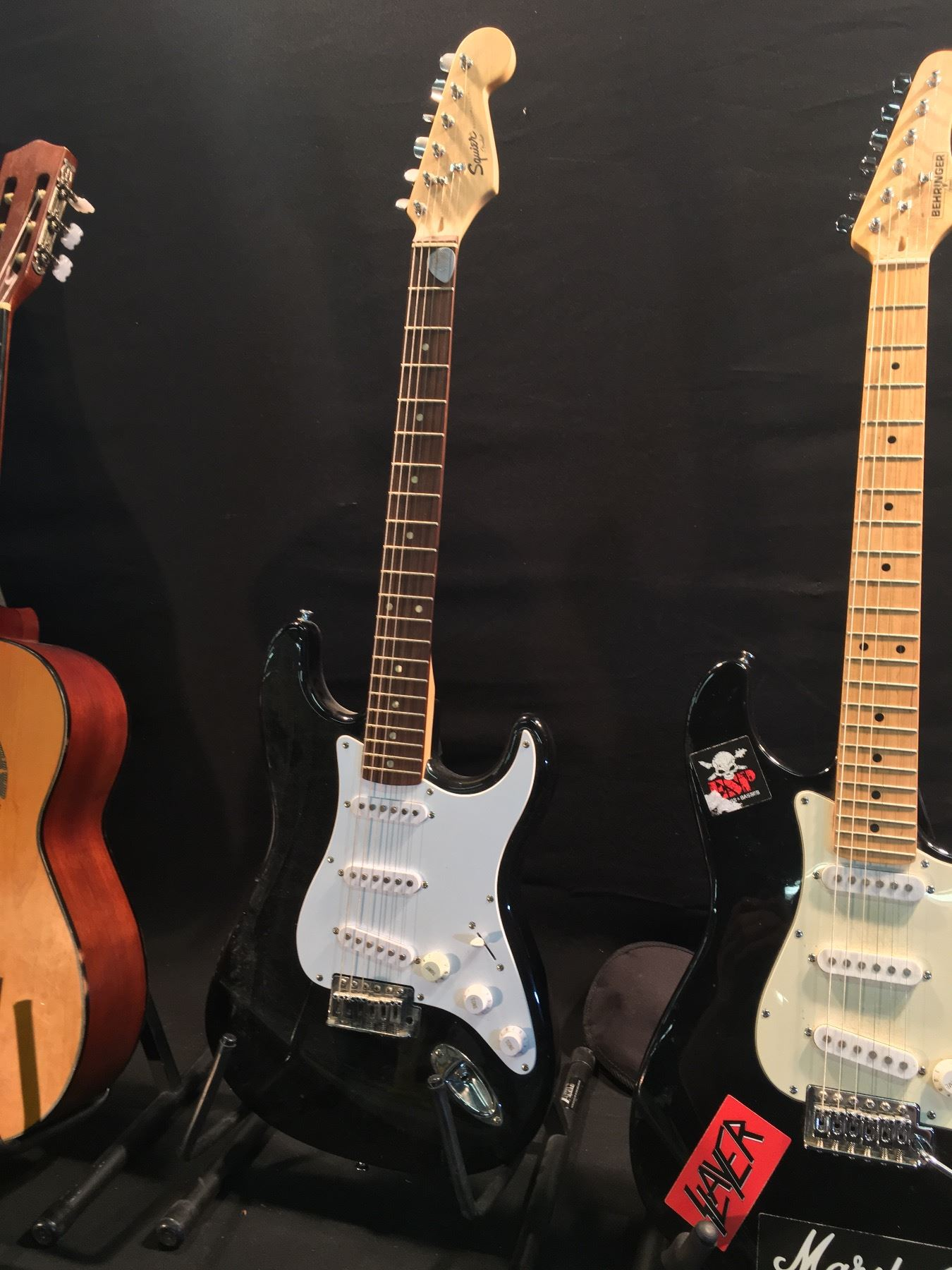 5a91720931a ... Image 3 : 3 GUITARS: SQUIER STRAT GUITAR, BEHRINGER STRAT STYLE GUITAR  WITH SOFT ...