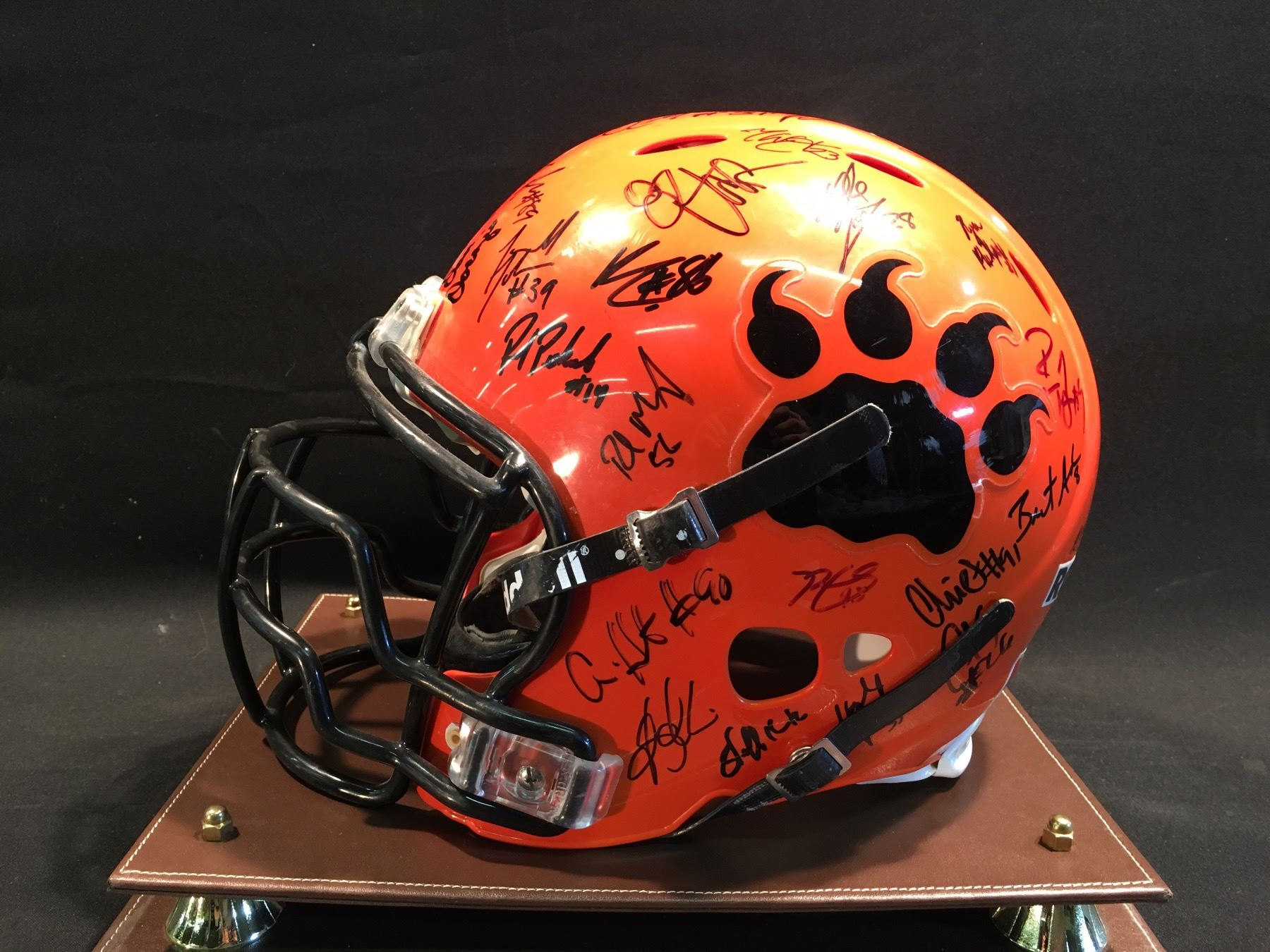 ... Image 2   2006 GREY CUP WINNING BC LIONS GAME WORN HELMET c0f6e7a01