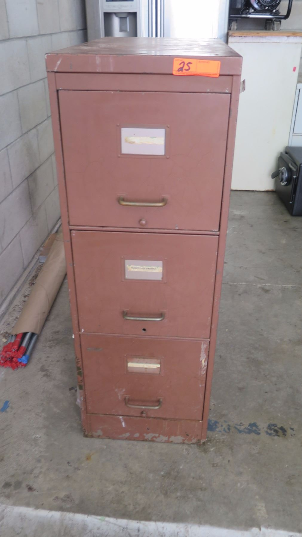 3 Drawer Metal File Cabinet W Painting Supplies Oahu Auctions