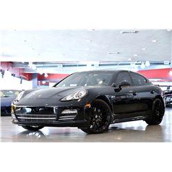 2013 Black Porsche Panamera 4 Platinum Edition Sedan