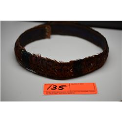 "Brown Pheasant Feather Hat Band - 1 1/2"" Width, 5 Bands of Drk Blue/Green Feathers, Good Cond."