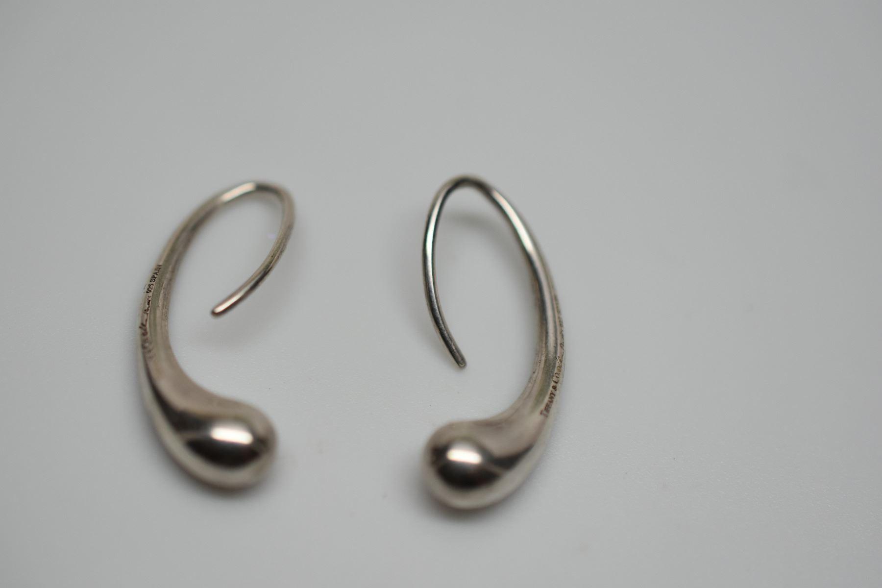 4f2d6d910 Image 1 : Pair: Tiffany & Co. Sterling Silver Teardrop Earrings - 1