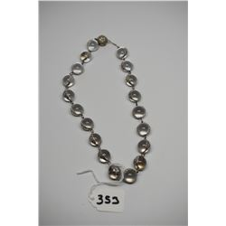 """Clear Glass Bead Necklace 17"""" - 19 Beads Approx 13mm, Floral/Leaf Pattern Pieces"""