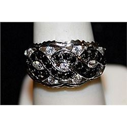 Beautiful Black and White Diamonds SS Ring. (569L)