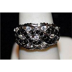 Beautiful Black and White Diamonds SS Ring. (569L)