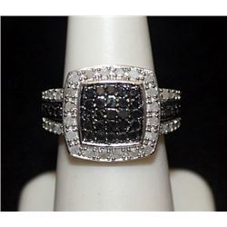 Beautiful Silver Ring with Black & White Diamonds (136I)
