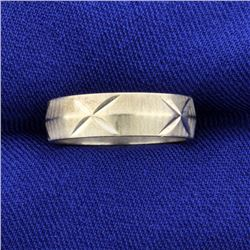 Woman's White Gold Wedding Band Ring