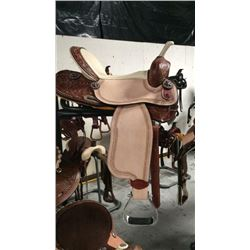 Double t white seat 15 inch barrel saddle