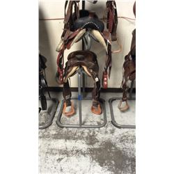 3tier saddle stand (grey) missing 1 rubber foot