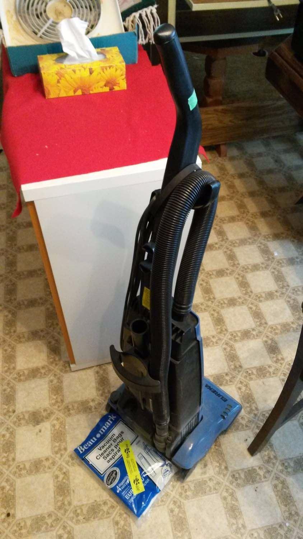 Eureka The Boss Vacuum Cleaner Amp Bags Amp Metal Garbage Can