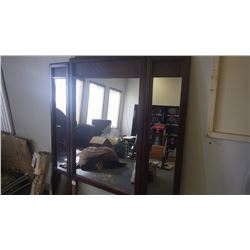 Folding 3 mirror in wood frame (off a dresser)