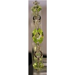 Fancy Sterling Silver Lab Peridot & White Topaz Bracelet. (97B)