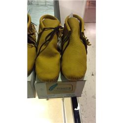 New Itasca Moccasins 9