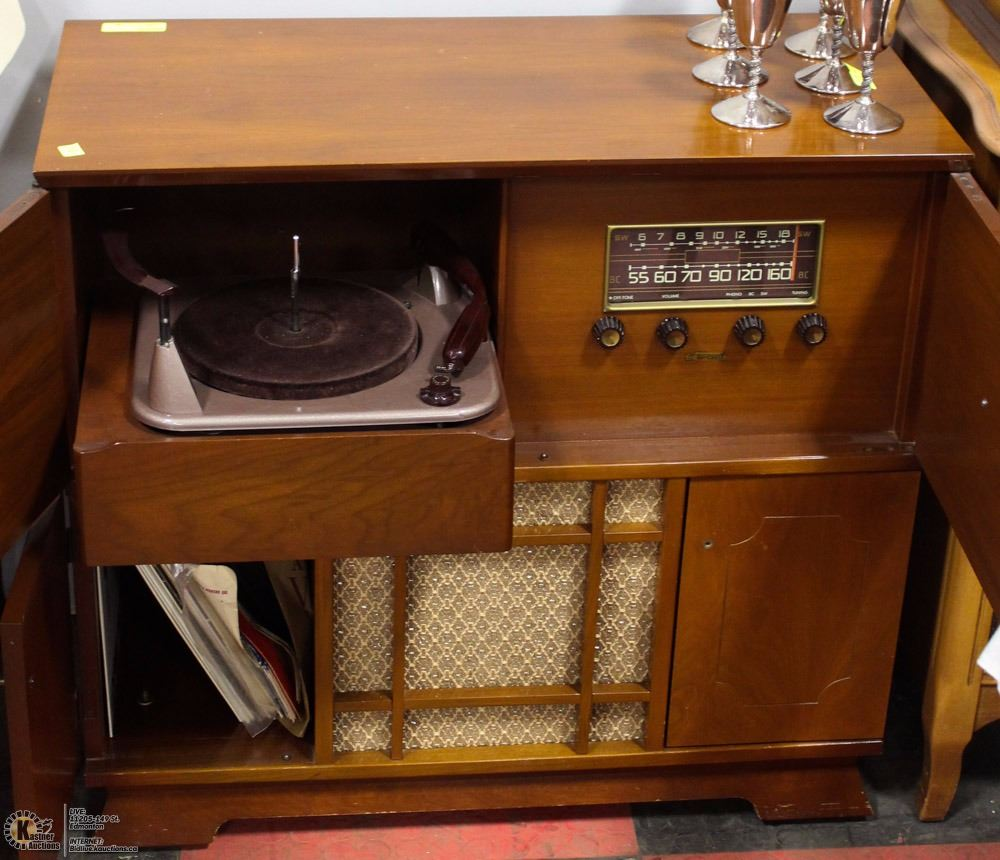 VINTAGE BAYCREST CONSOLE STEREO