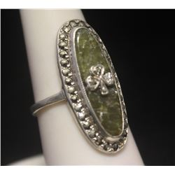 Dazzling Antique Clover Green Onyx Silver Ring