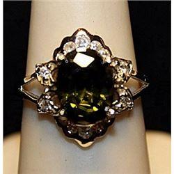 Fancy Peridot & White Topaz Sterling Silver Ring. (547L)