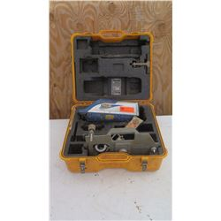 Spectra DG711 Precision Laser Pipe Laser Kit w/Case
