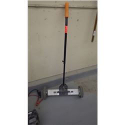 "Magnetic 18"" sweeper"