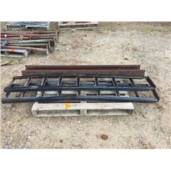Set of loading ramps and LGE I beam