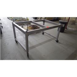 Heavey duty metal work bench on wheels