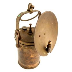 Wolf Superintendent Style Lamp