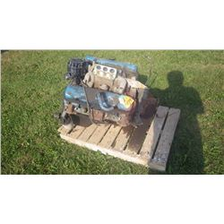 PONTIAC 400 CU IN ENGINE WITH 6X HEADS WITH EDELBROCK INTAKE MANIFOLD