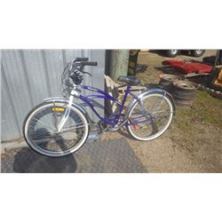 LADIES CRUISER 6 SPEED BIKE, LIKE NEW CONDITION