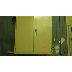 METAL WALL CABINET WITH VARIOUS CONTENTS (FILTERS, ELECTRICAL CORD ENDS, WELDING IRONS)