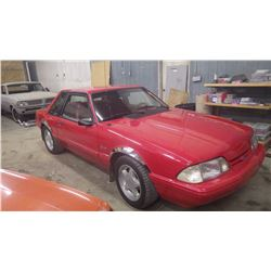 NO PST….BUYERS PREMIUM TO 500 MAX...1992 FORD MUSTANG 5.0 2DR RED IN COLOUR, VERY CLEAN, RUNS AND DR