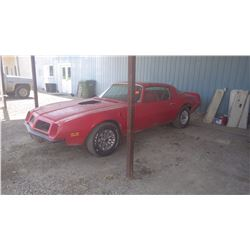 NO PST….BUYERS PREMIUM TO 500 MAX...1975 PONTIAC FIREBIRD - RED IN COLOUR COMPLETE AND RUNNING