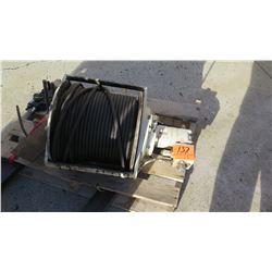 Hydraulic Winch w/Steel Cable
