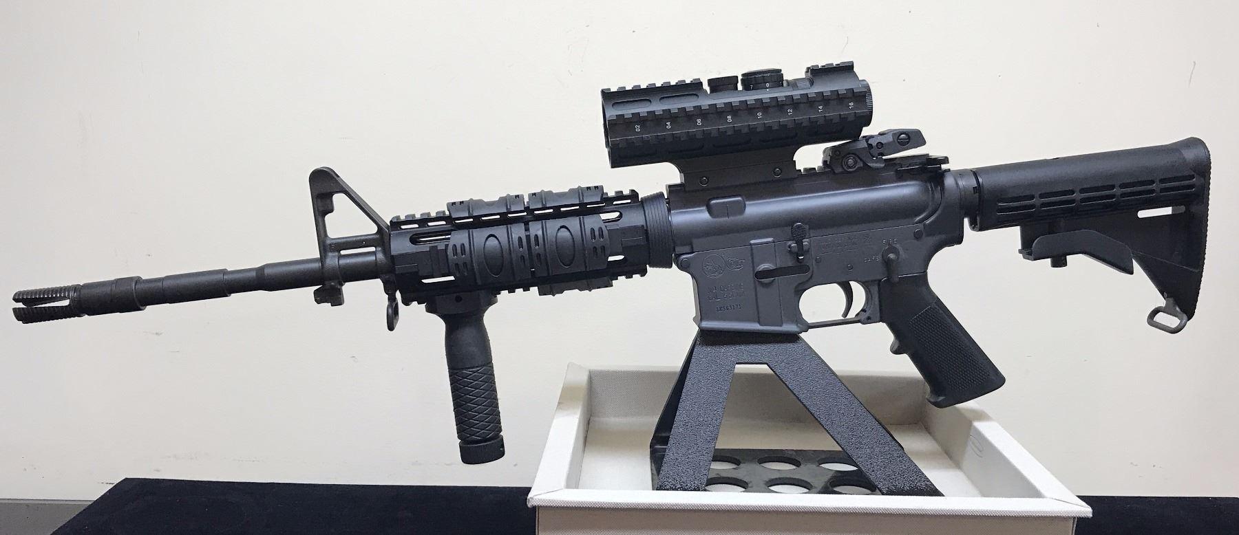 Colt M4 AR-15 Tactical Gray Heavy Barrel, extras