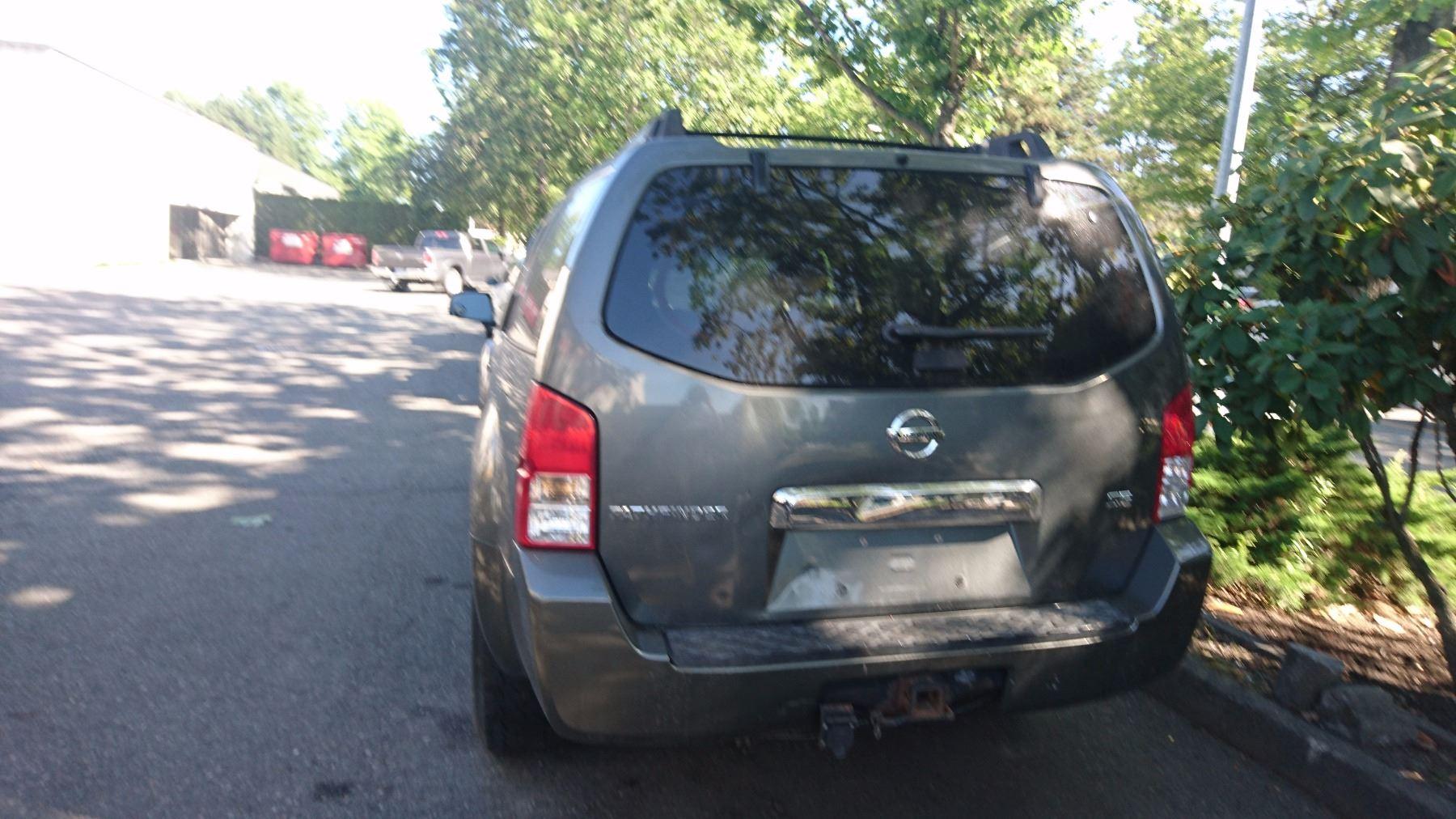 2006 NISSAN PATHFINDER, 4 DOOR SUV, GREY VIN