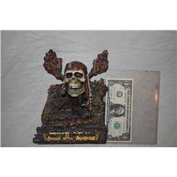 PIRATES OF THE CARIBBEAN DEAD MAN'S CHEST AND AT WORLDS END RARE CREW GIFT FIGURINE NICE