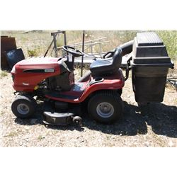 Craftsman LT3000 Riding Mower- Briggs and Stratton Intek plus 20 OHV- Bagger- Everything works
