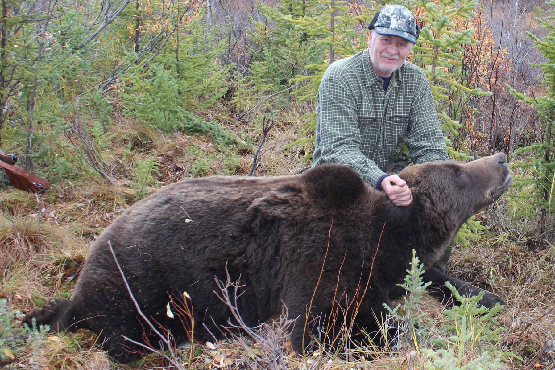 Grizzly and Black Bear Hunt in Remote Alaska