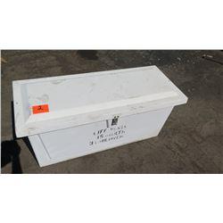"Dock Box 59"" x 22"""