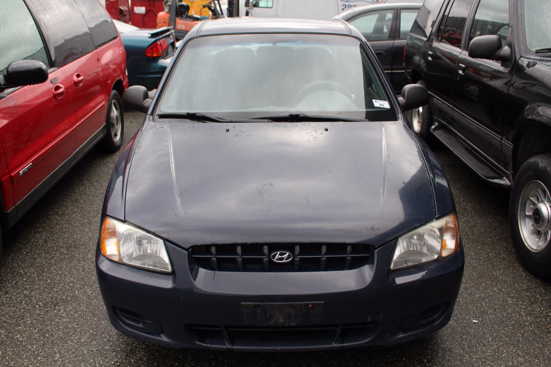 2002 hyundai accent gl 4 door 4 cylinder blue automatic gas 233 127 kms vin 2002 hyundai accent gl 4 door 4