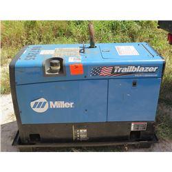 2011 MILLER TRAILBLAZER 302 WELDER / 11000W GENERATOR,