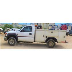 05 GMC SERVICE TRUCK w/GAS COMPRESSOR 135048 Miles