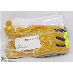 PAIR OF HONEYWELL SIZE MED PROTECTIVE GLOVES