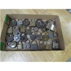 Lot of vintage pad locks