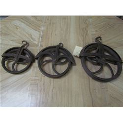 3 Well pulleys