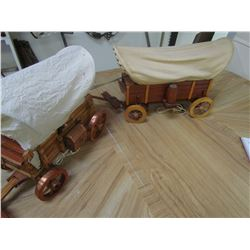 2 Wooden wagon lamps